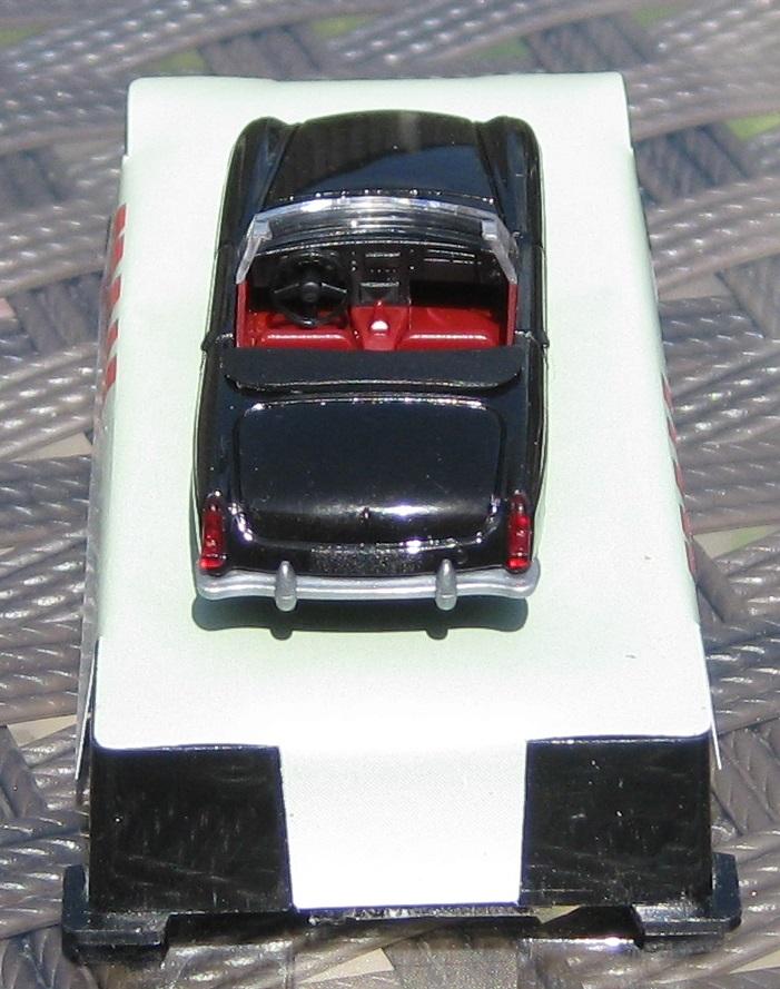 achterkant MG B van AWM