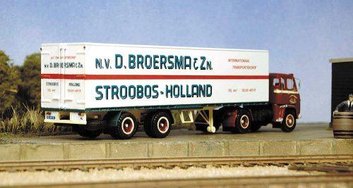 Z-MvdW 03 Scania LBS76 Broersma achter